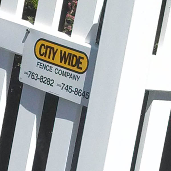 Custom Vinyl fencing Lynnwood - Custom Vinyl fences Seattle